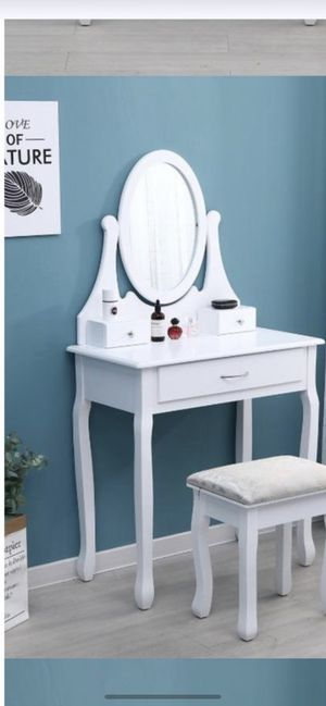 Makeup make up vanity table with mirror Luxury Contemporary design furniture with Chair for Sale in Miami Gardens, FL