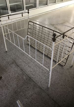 Vintage Child's Metal Bed for Sale in Vidalia, GA