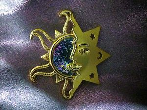 Holographic Brooch for Sale in West Palm Beach, FL