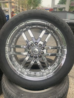 CHROME RIMS for Sale in Bronx, NY