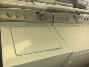 GE PROFILE WASHER DRYER SET STAINLESS DRUMS KING SIZE CLEAN LIKE NEW for Sale in Fort Washington, MD