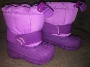 Girls winter boots - size 5-6 for Sale in Charlotte, NC