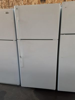 $199 GE white 18 cubic fridge includes delivery in the San Fernando Valley a warranty and installation for Sale in Los Angeles, CA