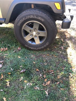 5 Jeep wheels for Sale in Naugatuck, CT