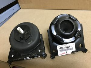 Toyota 4Runner motor mounts OEM pair for Sale in Brooklyn, NY