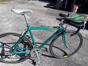 "Cannondale Road bike, Shimano 105 groupset, 700 Continental tires, 21"" frame and TT bars. for Sale in Wesley Chapel, FL"