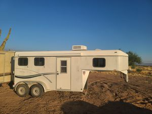 2002 Kiefer Built gooseneck horse trailer for Sale in Scottsdale, AZ