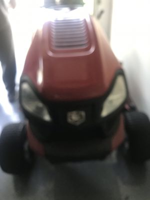 Craftsman lawn tractor for Sale in MAYFIELD VILLAGE, OH