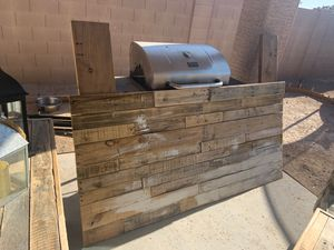Pallet Cal-King Headboard, end table, Entry Table/Tv Stand for Sale in Buckeye, AZ