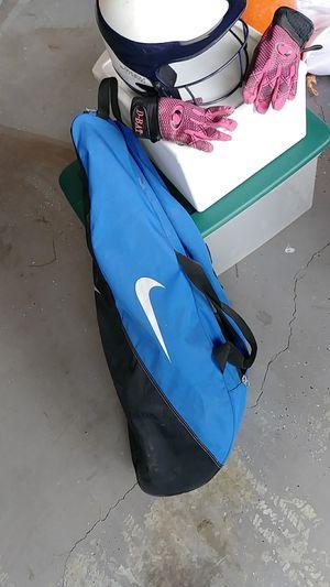 Softball bag helment & gloves for Sale in Woodstock, GA