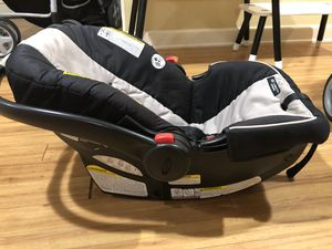 Graco car seat + car seat base for Sale in TEMPLE TERR, FL