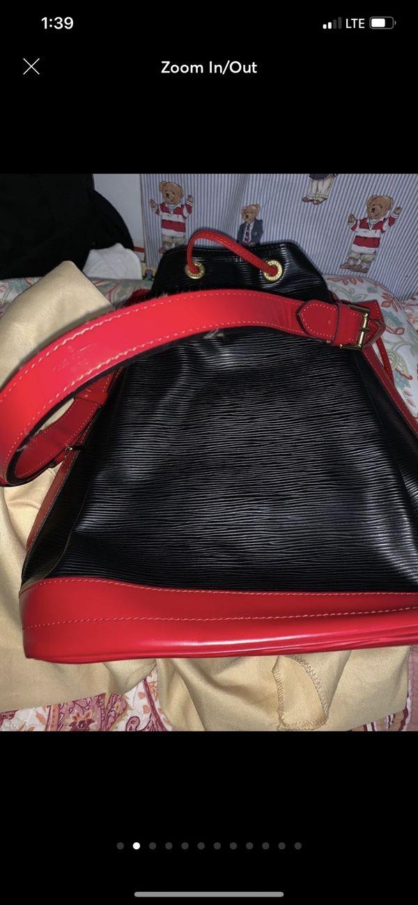 Authentic NWT Louis. Vuitton Epi bucket bag👍🥰