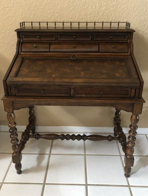 Solid Wood Secretary Desk with Hutch for Sale in Pembroke Pines, FL