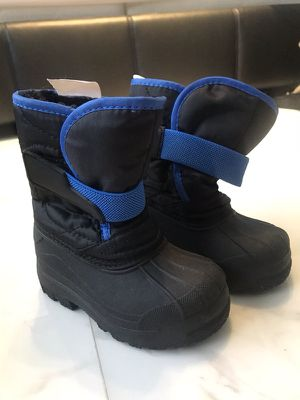 Snow boot for kids size 5/6 almost new ;-) for Sale in Miami, FL