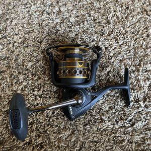 New Penn Battle 2 4000 Reel for Sale in Webster, TX