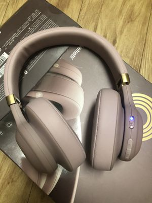 JBL E55BT Quincy Edition Wireless Over-Ear Headphones with One-Button Remote and Mic (Rose Gold) for Sale in Houston, TX
