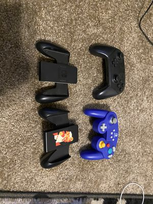 Nintendo switch controllers and grips for Sale in North Las Vegas, NV
