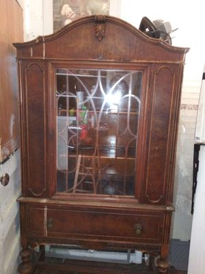 Antique Hutch display cabinet for Sale in St. Louis, MO