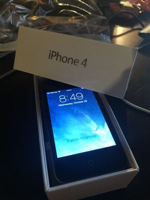 iPhone 4 16 g unlocked and refurbished for Sale in Chesterfield, MO