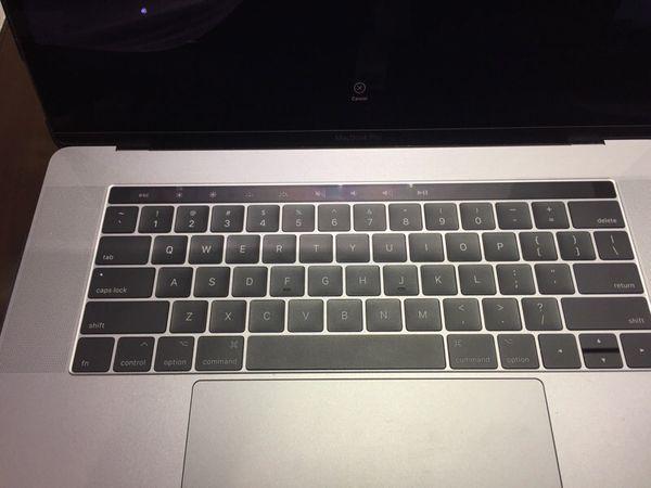 "MacBook Pro 💻 A1707 500 drive 16GB I7 15"""