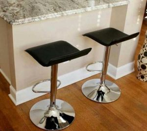 Set of 2 chair bar stools new in box for Sale in Orlando, FL