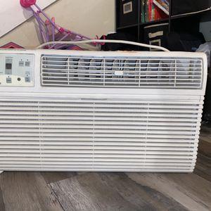Frigidaire Energy Star 12,000 BTU Built-In Room Air Conditioner for Sale in San Bernardino, CA