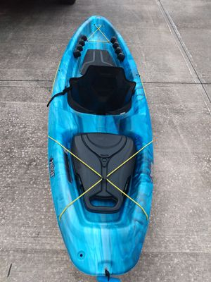 Pelican 9' kayak with paddle and floatable cooler for Sale in Cocoa Beach, FL