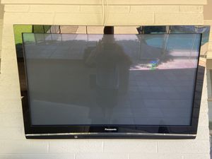 "50"" Panasonic TV with mount & outdoor cover for Sale in Scottsdale, AZ"