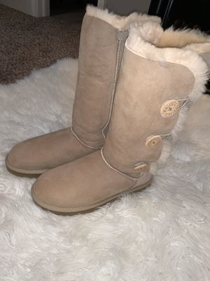 UGG® Bailey Suede Button Triplet II Boots Size 9 NWOT for Sale in Mesquite, TX