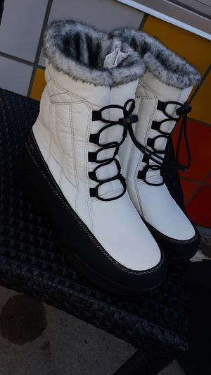Totes Snow Boots - Women's 9M for Sale in Denver, CO