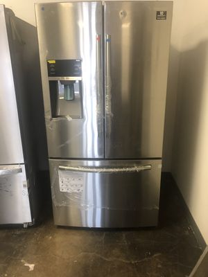 Brand new Samsung refrigerator French door stainless steel 25.5 cu. Ft. and more for Sale in Fort Worth, TX