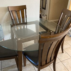 Glass Round Table for Sale in Fresno, CA