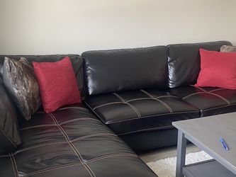 Left Facing Sectional Sofa for Sale in Westmont,  IL