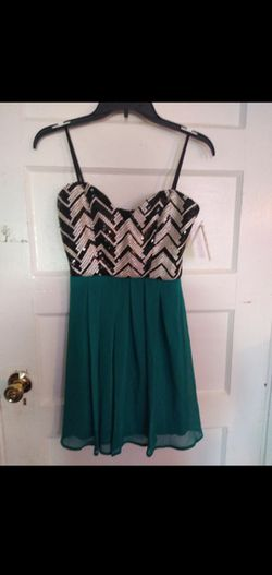 Bongo dress juniors party Chevron sequin ity black/teal size 3 for Sale in East Hartford,  CT