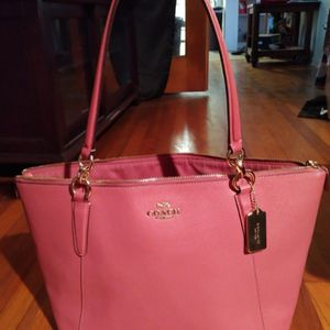 COACH NUDE PINK AVA LEATHER TOTE for Sale in Tarpon Springs, FL