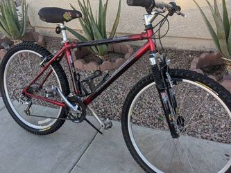 "26"" Diamondback WFC 2.0 MEN'S Mountain bike. Carbon fiber ultra light weight. for Sale in Tolleson,  AZ"