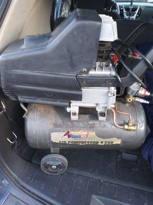 Harbor freight air compressor 8 gallon 2.5 HP for Sale in Phoenix, AZ