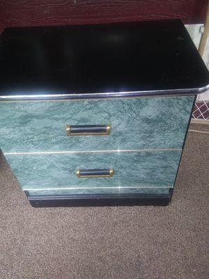 Dresser for Sale in Lindsay, CA
