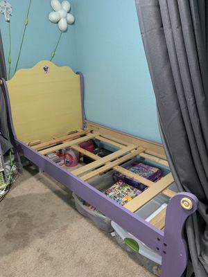 Twin bed frame for Sale in Olympia, WA