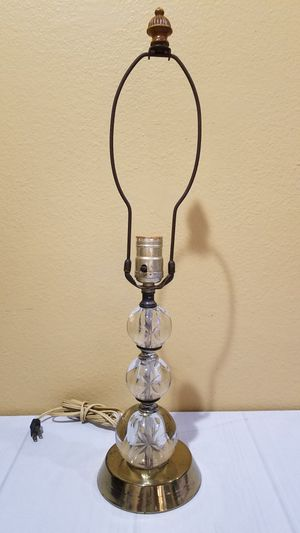@CHV VINTAGE 3 TIER STACKED GLASS BALL LAMP WITH ETGED FLOWER ON THEM. VERY NICE AND RARE #25 for Sale in Santa Clarita, CA