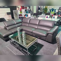 Power Reclining Sectional. Leather. $53 DOWN PAYMENT for Sale in Orlando,  FL