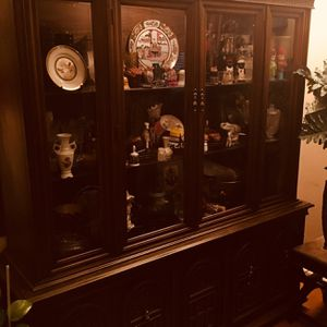 China Cabinet And Buffet. 2pieces for Sale in Chicago, IL