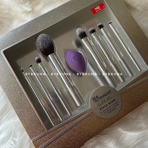 Real Techniques Disco Glam Brush Set for Sale in Surprise, AZ