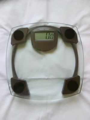 Health O Meter Bathroom Digital Glass Weighing Scale 330lb Max for Sale in Redding, CA