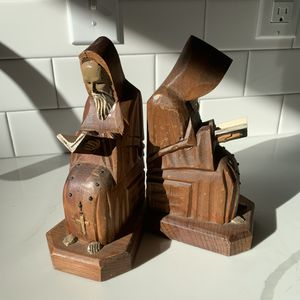 Vintage MCM Sitting Monk Or Priest Bible Reading Bookends for Sale in Portland, OR