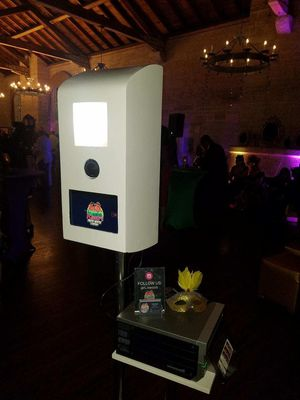 Photo Booth for Sale in SUNNY ISL BCH, FL