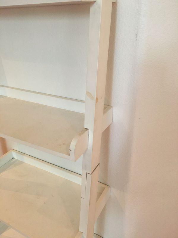 Bookshelf ladder shelf