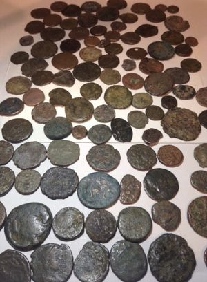VALUABLE Huge 100 Ancient Roman Coins Collection- Thousands of Years Old— Some With Nice Details- Coins Depict Wars, Lives, Tales, Ceremonys for Sale in Fairfax, VA