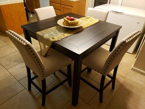 5pc Kitchen Table for Sale in Fresno, CA