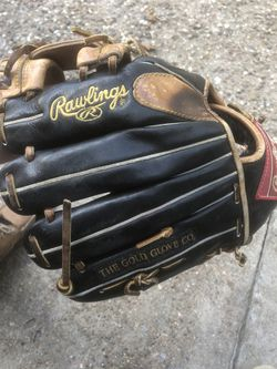 Rawlings pro A.R. three glove for Sale in Pasadena,  TX